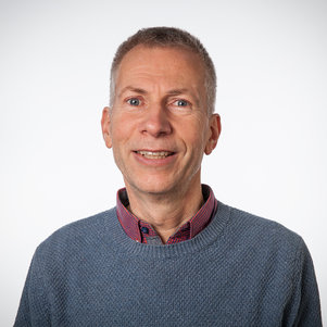 Dr. Anton van Beek